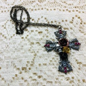 LAST CHANCE🙌Gothic embellished cross necklace